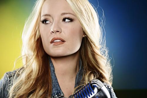 "Janelle Arthur American Idol ""I'll Never Fall In Love Again"" Video 4/10/13"