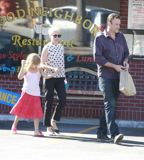 Jason Segel Addicted To Sex? Michelle Williams Split Because Of Alcohol, Sex Issues  0403