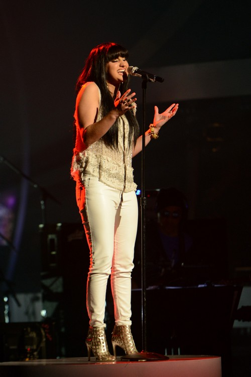 Jena_Irene_American_Idol_13_Top_5_video