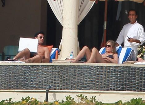 Jennifer Aniston Cancels Wedding Amid Brad Pitt, Angelina Jolie Wedding Rumors? 1231
