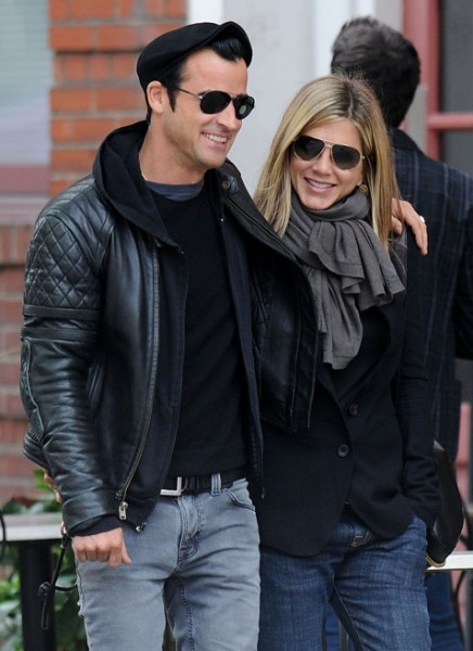 Jennifer Aniston Forgives Brad Pitt, Says Justin Theroux Is Better In Bed 1026