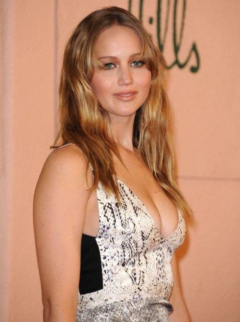 Jennifer Lawrence Throws Digs At Kristen Stewart: I'm No Trampire! 0816