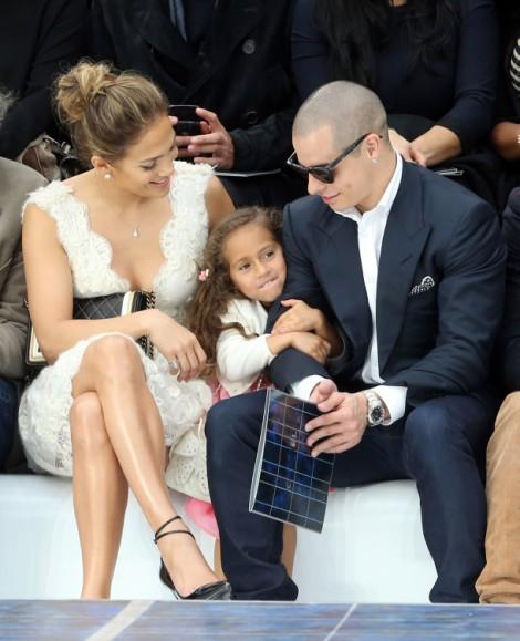 Jennifer Lopez Having Casper Smart's Baby! 1020
