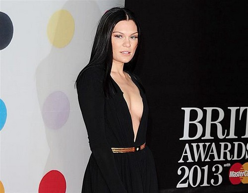 Jesse-J-2013-brit-awards-red-carpet