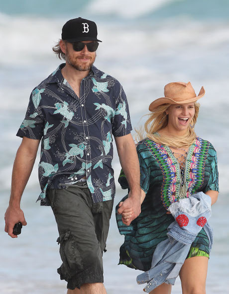 Jessica Simpson's Terrifying Miscarriage Scare While On Vacation
