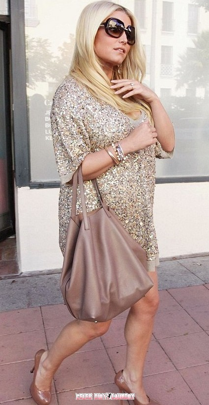 Jessica Simpson Looking Seriously Pregnant - Photos Here!