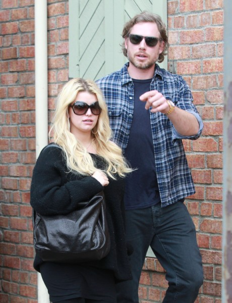 Jessica Simpson's Eating For Four Again, Back To Sodas And Fried Foods