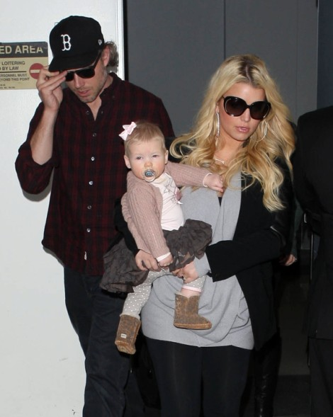 Jessica Simpson Rushing To Get Married Before Second Baby Born! 1220