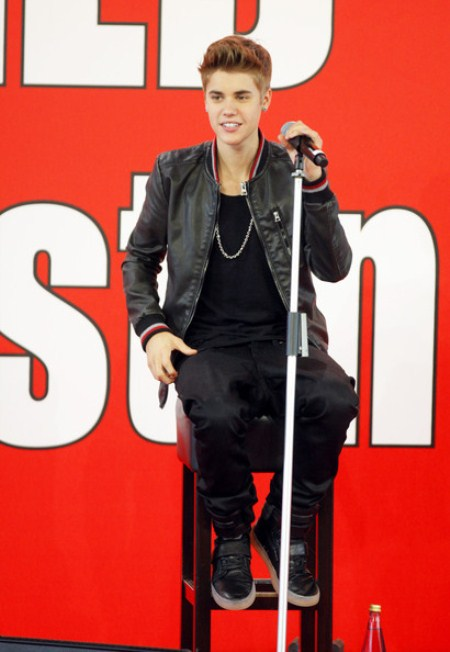 Justin Bieber: Desperate To Be King of Pop