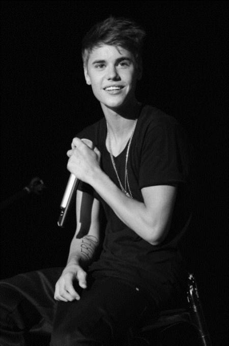 Justin Bieber: Fashion Horror In Onesie