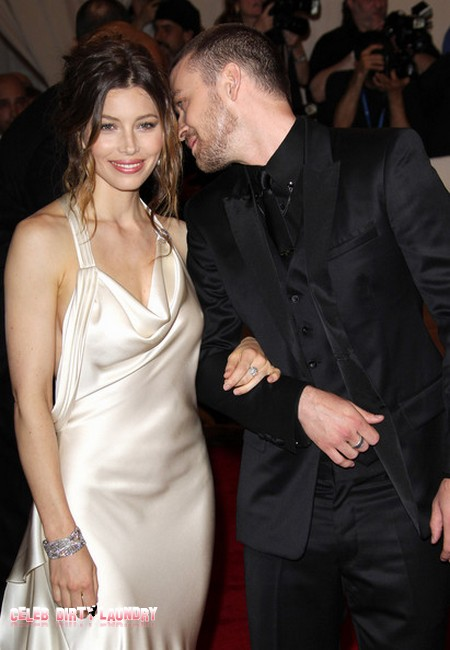 Justin Timberlake Proposes Marriage To Jessica Biel And She Says 'Yes!'