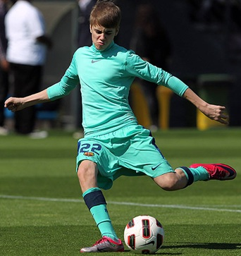 Justin Beiber Practices With Barcelona As Part Of His New Fitness Regimen