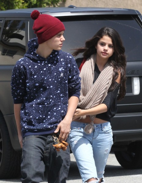 Justin Bieber And Selena Gomez Back Together - Meet Up For Hotel Date! 1112
