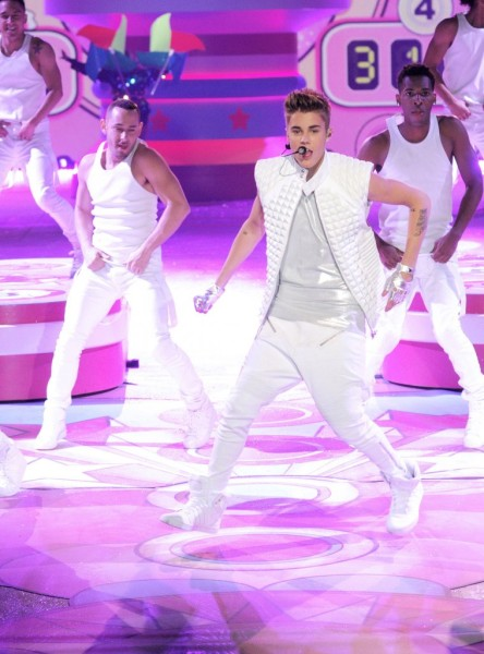 Is Justin Bieber Using Anabolic Steroids?1206