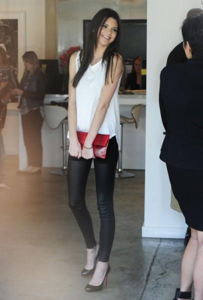 Kendall Jenner Replacing Miranda Kerr To Be Next Big Victoria's Secret Model?  0412