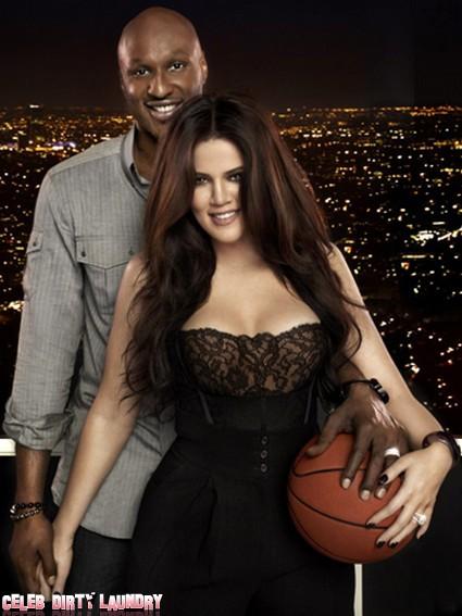 Khloe Kardashian Tweets During Basketball Game