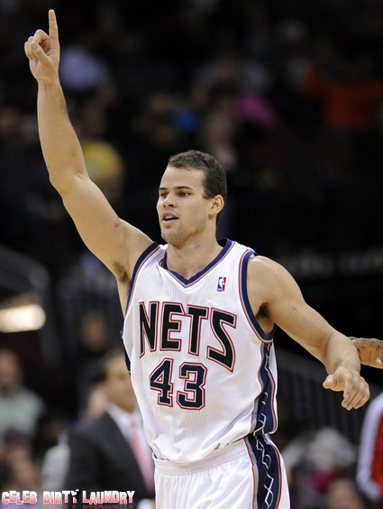 Kris Humphries To Represent Himself In Divorce Court