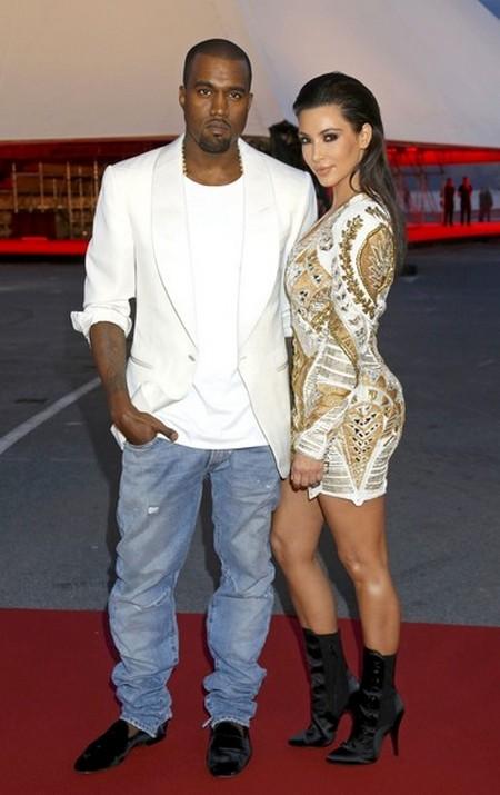 Kanye West & Kim Kardashian Snubbed By Lakers Kiss Cam, Kanye Goes Ballistic!