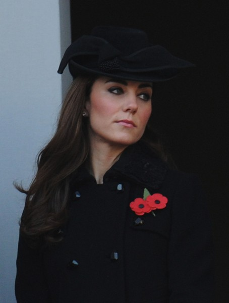 Kate Middleton Baby Bump Bikini Photos Bought For $150K, Is The Palace Making The Scandal?  0213