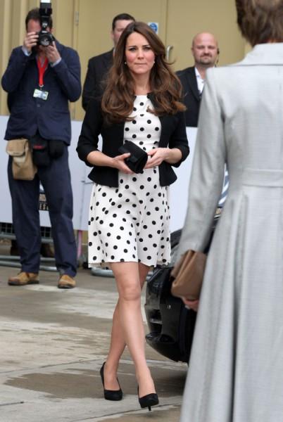 Kate Middleton Bows To Royal Pressure, Delivering Baby At Princess Diana's Hospital 0507