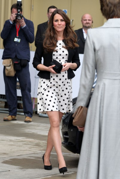 Kate Middleton Bows To Royal Pressure, Delivering Baby At Princess Diana's Hospital 0507