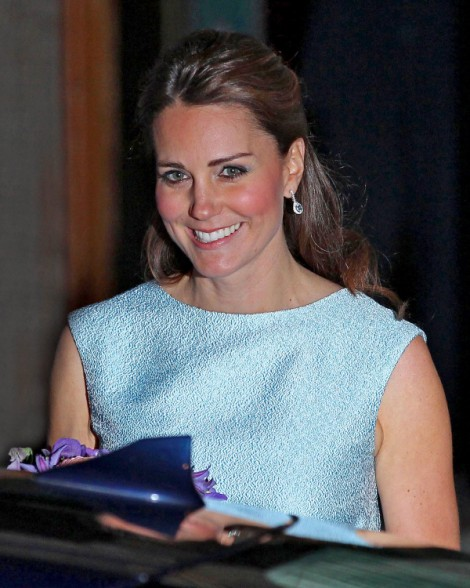 Kate Middleton Delivering Baby Boy In Hometown Hospital, Says No To Royal Birth! 0429