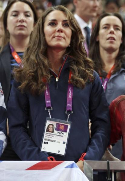 Bottomless Kate Middleton Photos Making Her Consider Divorce? (Photos) 0928