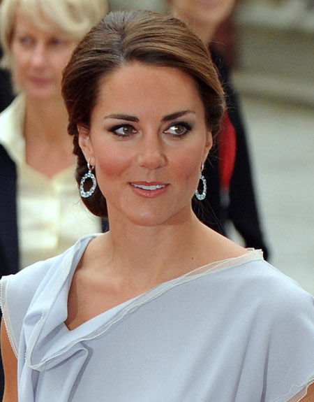 Kate Middleton Pregnant -- Refuses to Drink Alcohol at Royal Banquet
