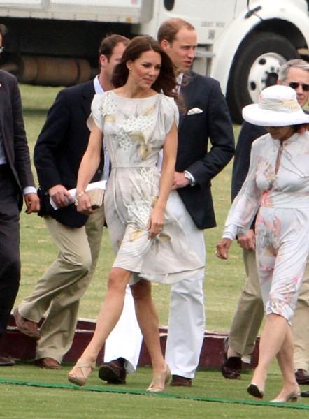 Kate Middleton Careful Not To Dress Like Kim Kardashian, Pippa Middleton, Dressmaker Says 0107