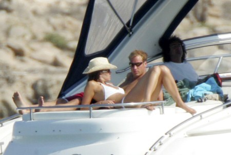 Kate Middleton Pregnant In A Bikini! Paparazzi Strike Again While Royals On Vacation 0211