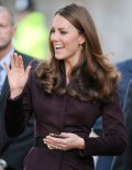 "Queen Elizabeth Begs Kate Middleton For A Baby And Promises ""I'll Make Prince William King!"""