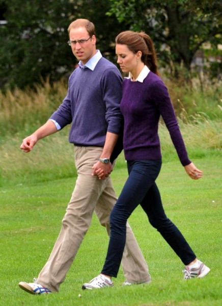 Queen Elizabeth Fighting To Keep Kate Middleton Closer To Royals, Not Middletons? 0106