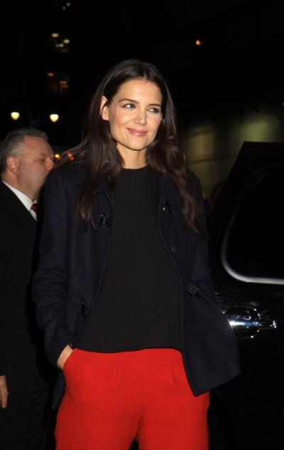 Katie Holmes Thinks She's The New Carrie Bradshaw, Do You Agree? 0201