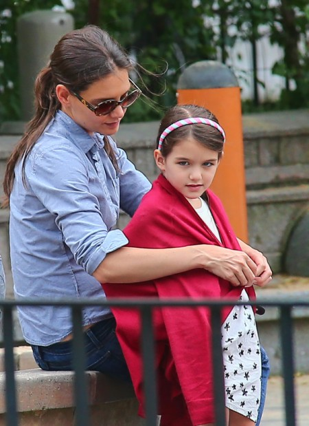 Katie Holmes Worried About Suri Cruise, Wants Another Baby To Help Her Be Normal 0913
