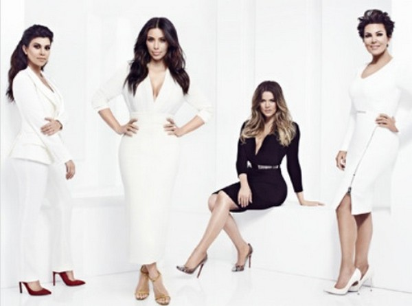 "Keeping Up With The Kardashians LIVE Recap: Season 9 Episode 10 ""Doggy Blu's"""
