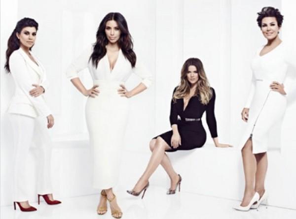 "Keeping Up With The Kardashians LIVE Recap: Season 9 Episode 10 ""Doggy Blu's"""