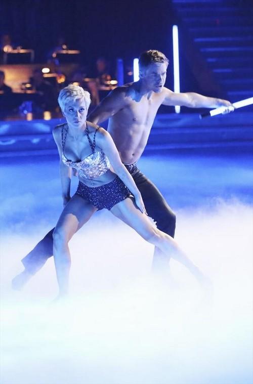 Kellie Pickler Dancing With the Stars Jive Video 4/1/13