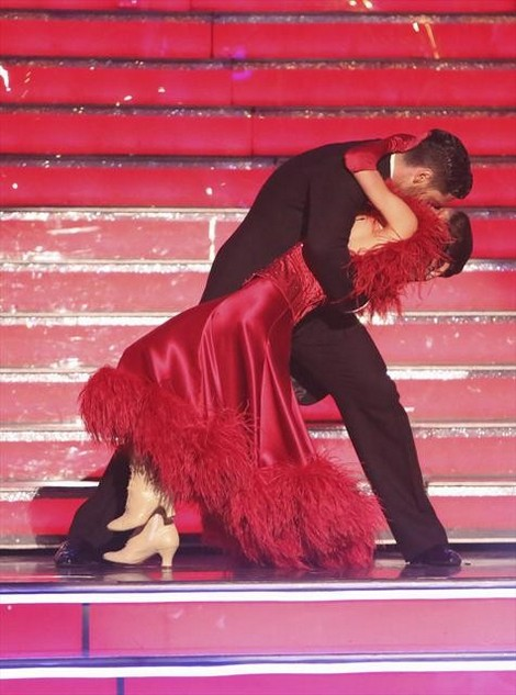 Kelly Monaco Dancing With the Stars All-Stars Foxtrot/Cha-Cha Fusion Performance Video 11/5/12
