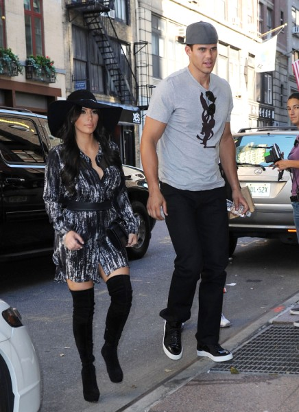 Kris Humphries Thinks It's Hilarious That Pregnant Kim Kardashian Is Still Married To Him 0116