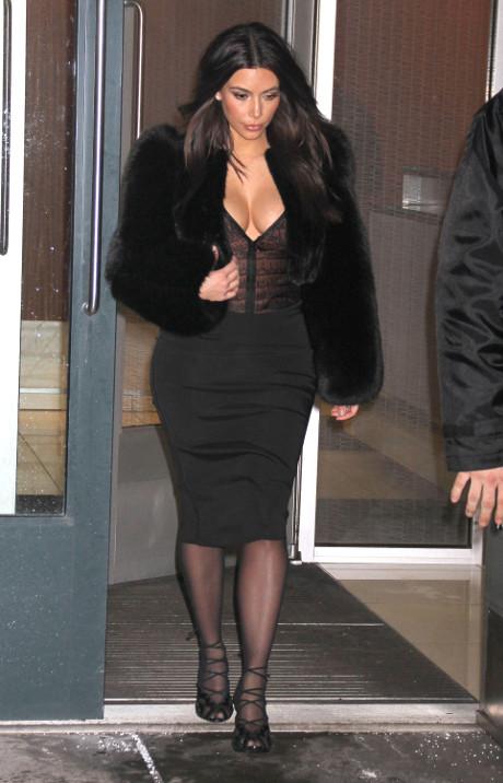 Kim_Kardashian_NYC_stroll_7