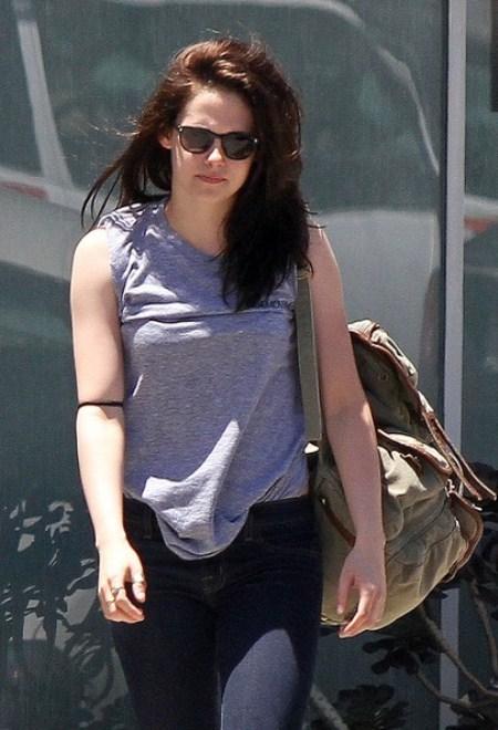 Kristen Stewart Says Kim Kardashian Faking It In Her Sex Tape