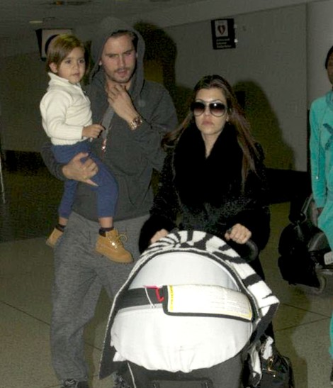 Kourtney Kardashian Rushing To Be Married Before Pregnant Kim Kardashian? 0115