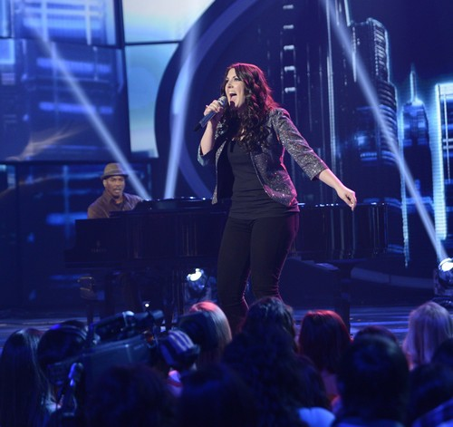 "Kree Harrison American Idol ""Piece Of My Heart""  Video 4/3/13"