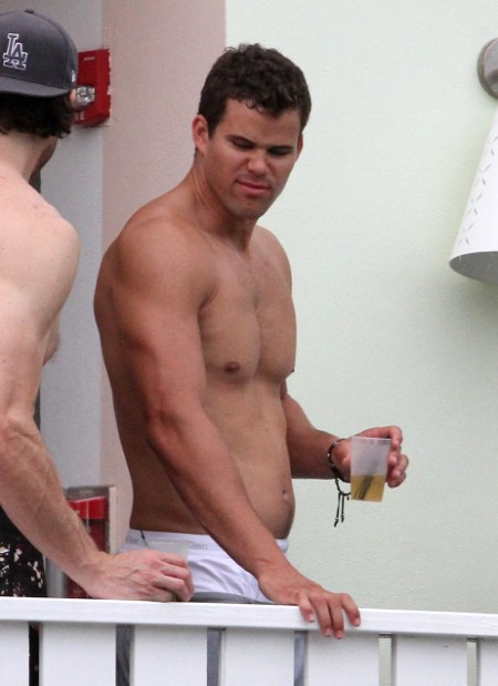 Kris Humphries Sued For Giving A Girl Herpes 0829