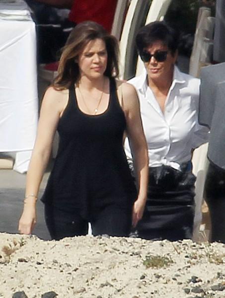 Kris Jenner Calls Khloe Kardashian Fat, Says She's Ruining The Brand! 0501