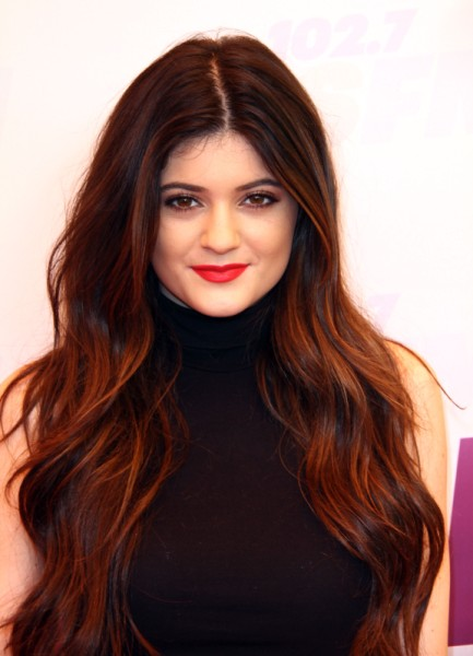 Kylie Jenner Posts Sexy Pic - Is She Jealous Of Kendall Jenner's Fame? (PHOTO) 0526