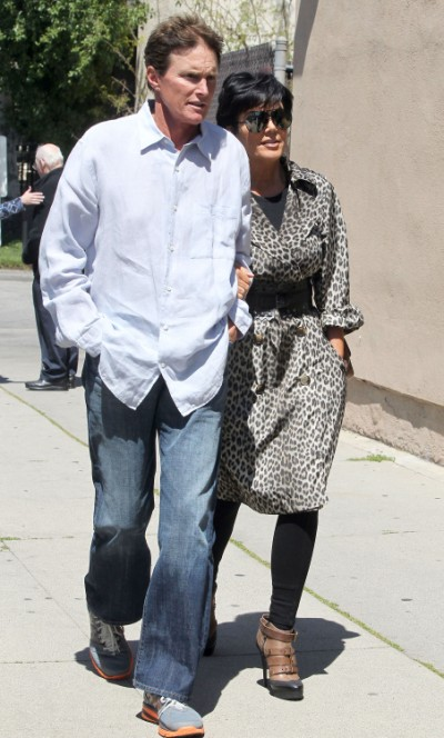 Kris Jenner, Bruce Jenner Divorce Showing Signs, Couple Won't Even Sit Together! 1226