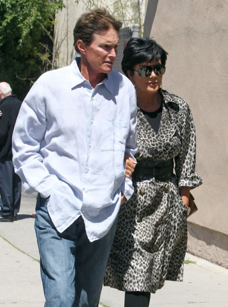 Kris Jenner, Bruce Jenner Divorce Showing Signs, Couple Won't Even Sit Together! 1226