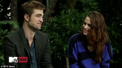 Kristen Stewart And Robert Pattinson: First Interview Since Scandal, Did They Try Too Hard? 1102