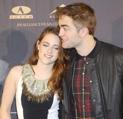 Kristen Stewart And Robert Pattinson Planning Road Trip To Save Relationship 0327